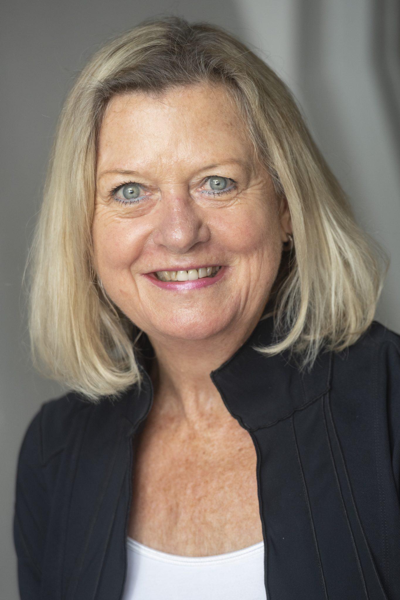 Mevrouw H.E. (Helen) Patterson